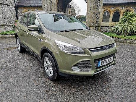 FORD KUGA ZETEC TDCI. AUTOMATIC. BRIGHTON NEWTOWN ROAD. 01273 320 800